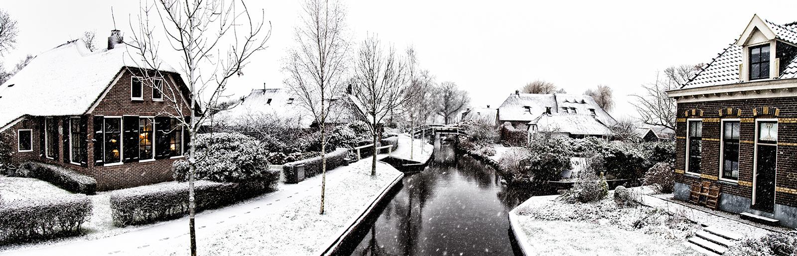 Giethoorn gracht in de winter (ilovegiethoorn.nl)