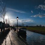Varen met een rondvaartboot in Giethoorn
